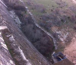 Escaleras del muro de la presa, Embalse de Becerril
